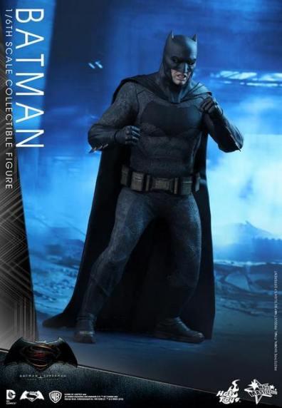 hot-toys-batman-v-superman-batman-ready