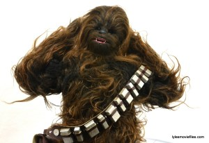 Hot Toys Han Solo and Chewbacca review -Chewbacca hands back