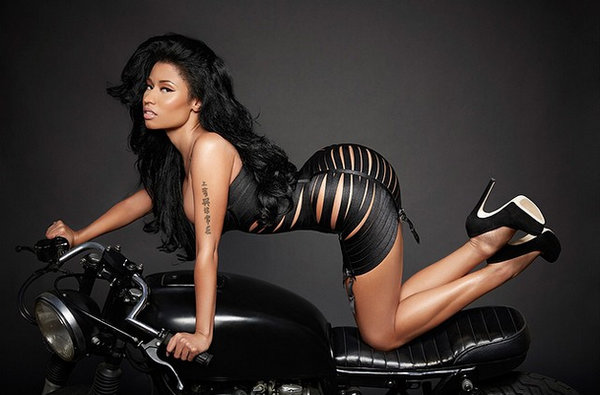 nicki-minaj-dress-bike