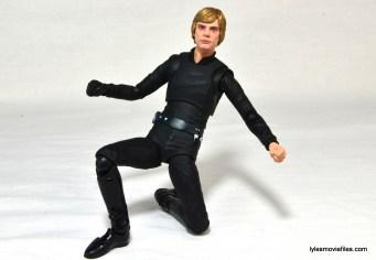 SH Figuarts Luke Skywalker figure review - kneeling