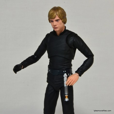 SH Figuarts Luke Skywalker figure review - lightsaber attached