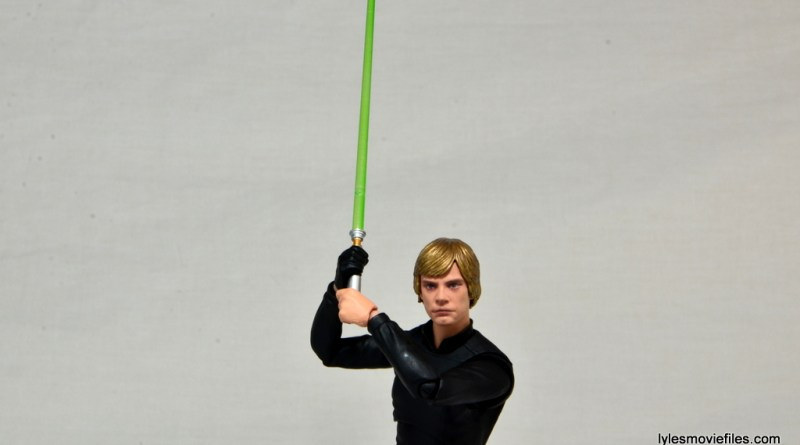 SH Figuarts Luke Skywalker figure review - lightsaber up