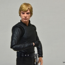 SH Figuarts Luke Skywalker figure review - wide pic