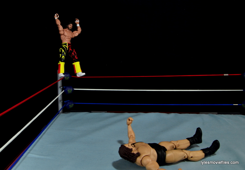 WWE Elite 38 Macho Man Randy Savage review -preparing for elbow