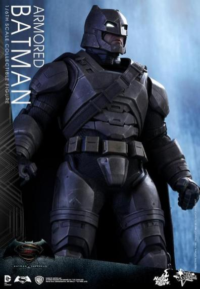Hot Toys Batman v Superman Armored Batman -long shot of armor