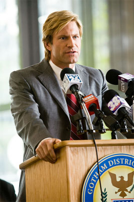 harvey-dent-aaron-eckhart-in-the-dark-knight