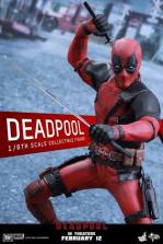 Hot Toys Deadpool figure -battle ready