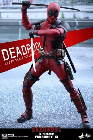Hot Toys Deadpool figure -sword down