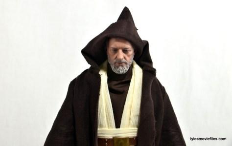 Hot Toys Obi-Wan Kenobi figure review -hood up