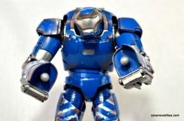 Iron Man 3 Igor Comicave Studios figure review - hand plug