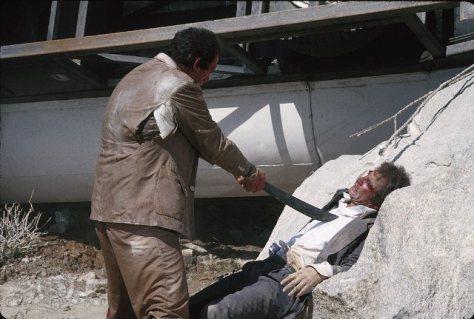 licence-to-kill-sanchez-vs-bond