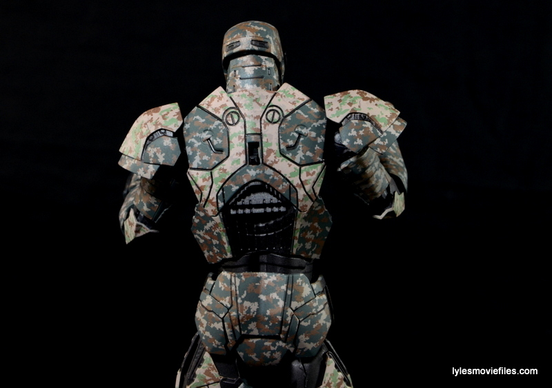 Comicave Studios Iron Man Shades figure review - rear close up