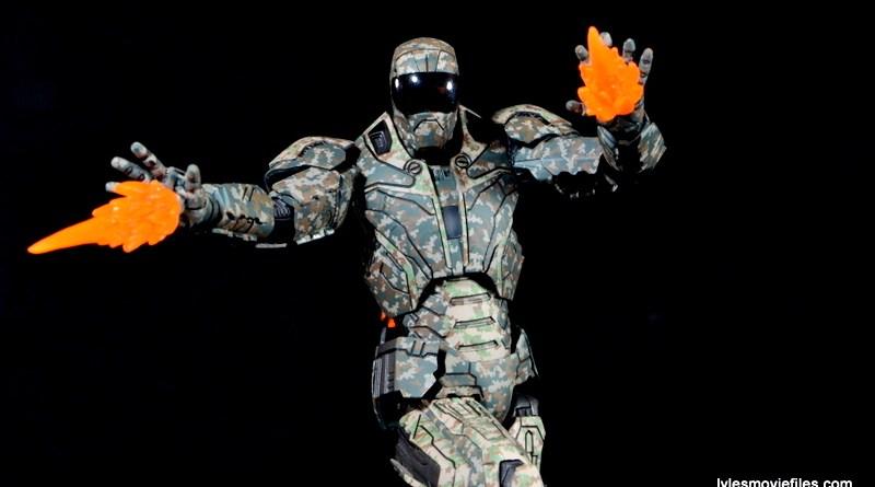 Comicave Studios Iron Man Shades figure review - using repulsors