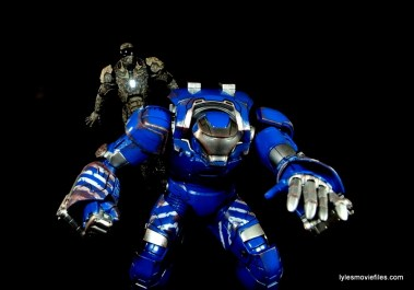 Comicave Studios Iron Man Shades figure review - with Igor