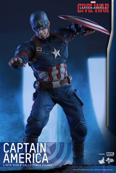 Hot Toys Captain America Civil War Captain America figure -reaching out