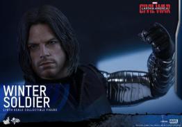 Hot Toys Captain America Civil War Winter Soldier figure -raising fist
