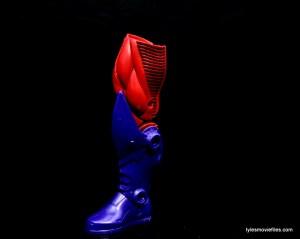 Marvel Legends Sharon Carter figure review - BAF Onslaught leg