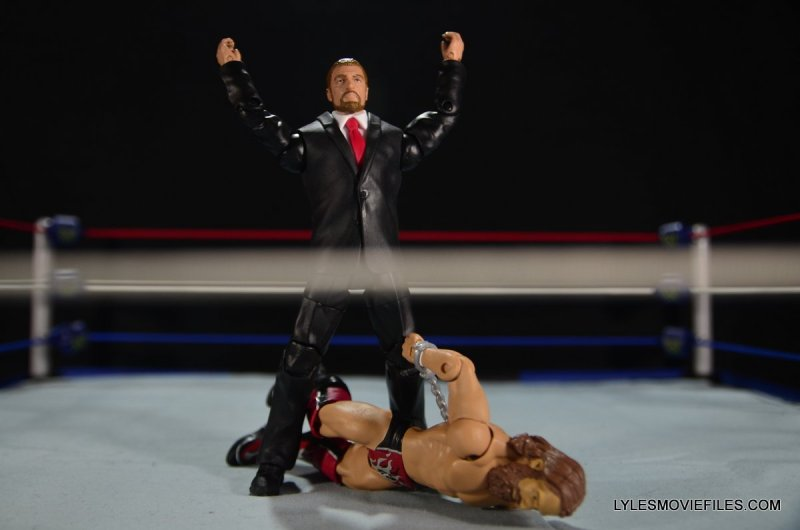 Mattel WWE Battle Pack - Triple H vs Daniel Bryan -Triple H mocking fallen Daniel Bryan