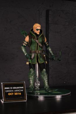 Mezco Toys pre-Toy Fair - Green Arrow