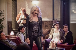 The flash - welcome to earth2 review - killer frost