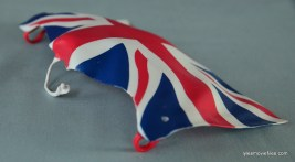 wwe-elite-39-the-british-bulldog-figure-review-cape-attachment