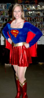 awesome-con-2014-supergirl