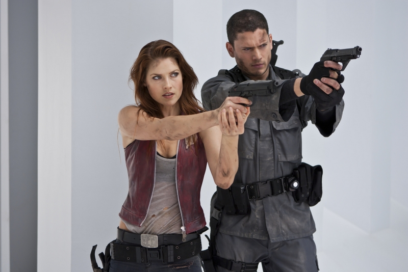 resident-evil-afterlife review -claire-redfield-and-chris-redfield-in-resident-evil-afterlife