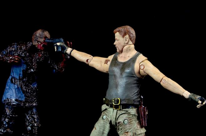 the-walking-dead-abraham-ford-mcfarlane-toys-figure-review-shooting-walker