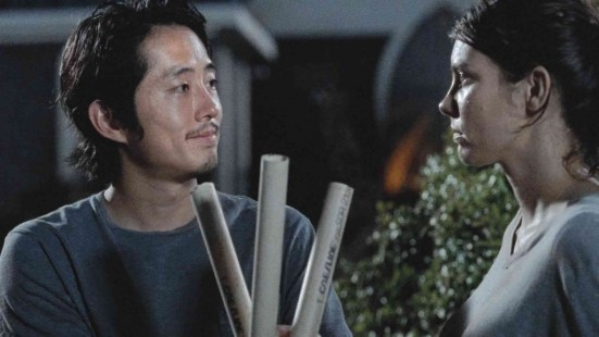 the walking dead knots untie review - glenn and maggie_6