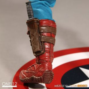 Captain America Mezco Toys 1-12 figure -boot detail