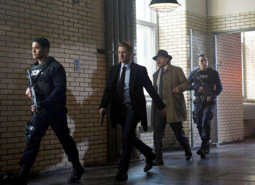 Gotham review - A Dead Man Feels No Cold -Gordon and Bullock