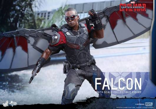 Hot Toys Captain America Civil War Falcon figure -battle ready
