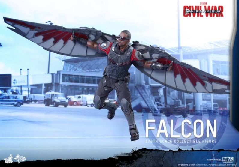 Hot Toys Captain America Civil War Falcon figure -landing