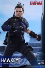 Hot Toys Captain America Civil War Hawkeye figure -looking up