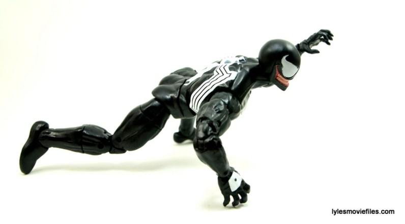 Marvel Legends Venom figure review - crawling side