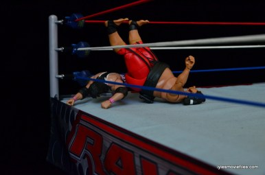 Wrestlemania 10 - Bret Hart avoids Yokozuna