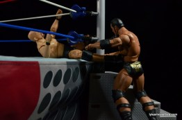 Wrestlemania 15 - The Rock vs Stone Cold -attacking Austin's knee