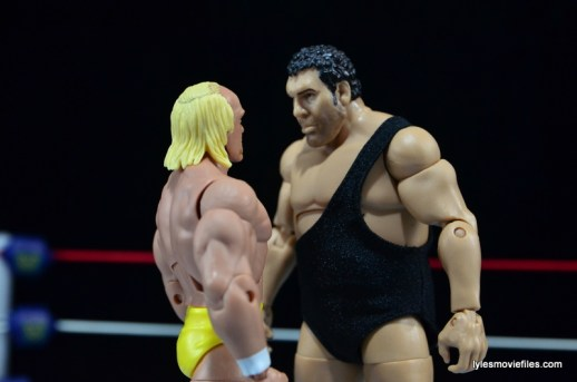 Wrestlemania 3 - Hogan and Andre the Giant face off
