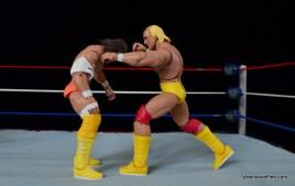 Wrestlemania 5 - Hullk Hogan vs Macho Man - Hogan punching Savage