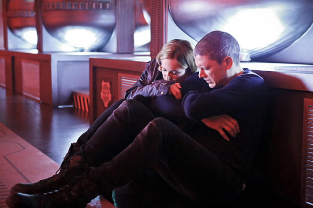 legends of tomorrow marooned review - sara and snart