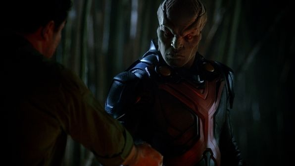 supergirl - manhunter review - J'onn Jonzz_1