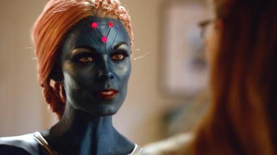 supergirl solitude review - laura vandervoot as indigo