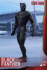 Hot Toys Black Panther figure - turning to side