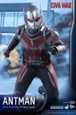 Hot Toys Civil War Ant-Man figure - charging