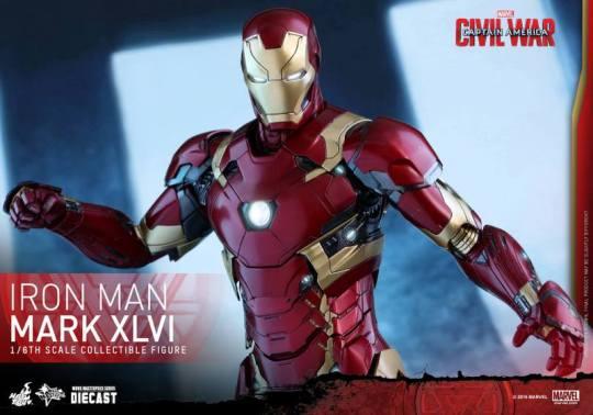 Hot Toys Civil War Iron Man -main shot