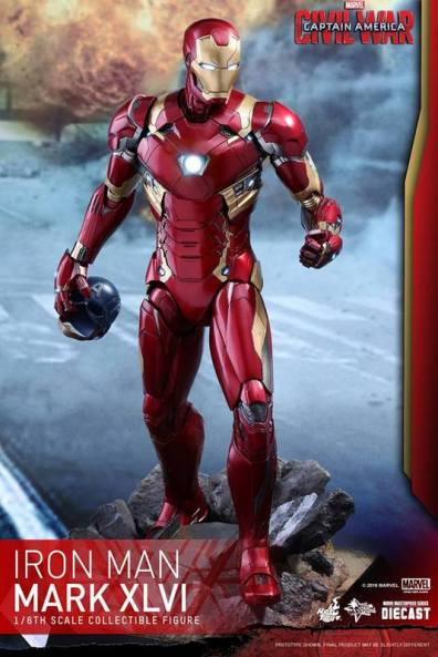Hot Toys Civil War Iron Man - with Cap's helmet