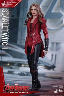 Hot Toys New Avengers Scarlet Witch - side shot