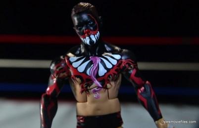 WWE Elite 41 Finn Balor - front paint detail