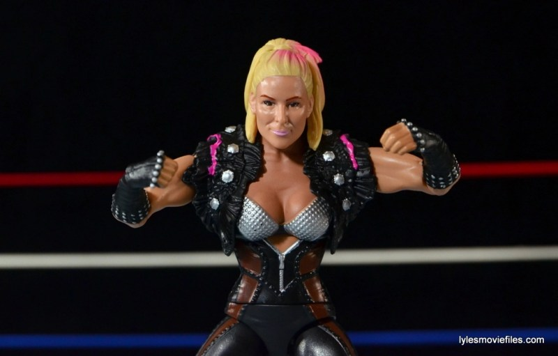 WWE Natalya figure review - fists up