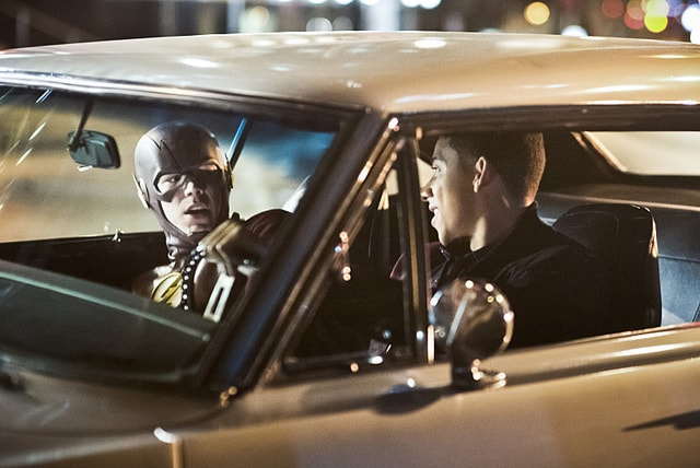 the flash - invincible review - the flash and wally-min
